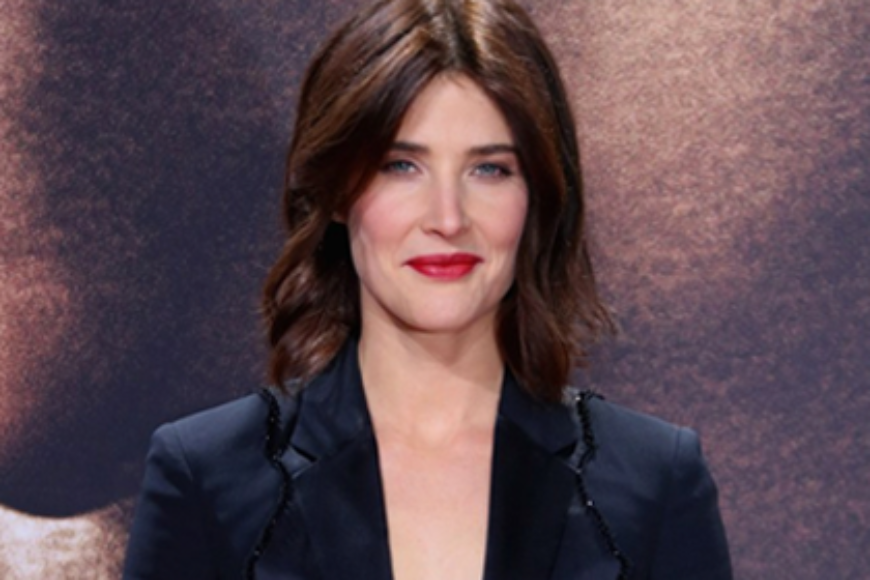COBIE SMULDERS HAD OVARIAN CANCER AT 25—HERE ARE THE SYMPTOMS YOU SHOULD KNOW